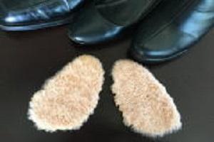 あしこしゲンキシリーズ靴中敷高級ベビーラム男女兼用の写真