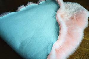ムートンフリース長毛 ピンク色系2枚つなぎ桃色系の画像