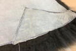 トップ染めグレームートンクッション座布団1枚皮仕上げ40x40cmトップ染めグレー裏地無しの1枚皮仕上げの画像