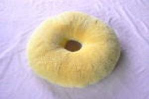 サポート用ムートンクッション 円座の画像