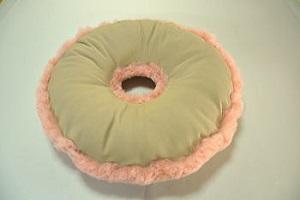 サポート用ムートンクッション 円座布団 ピンクの画像