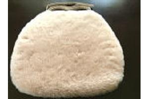 ベージュカラー羊毛クッション馬蹄ひも付きタイプ40x38cmベージュカラーの画像