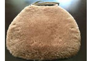 ブラウンカラー羊毛クッション馬蹄ひも付きタイプ40x38cmブラウンの画像