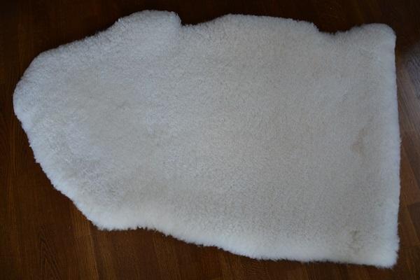 短毛35ミリホワイト系ムートンフリースの写真