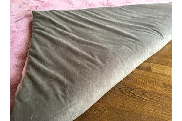 ムートンカーペット長方形ローズピンクの写真